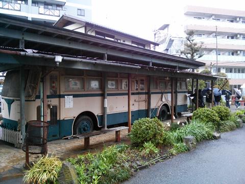 川崎駅や川崎港湾部を走っていたトロリーバス